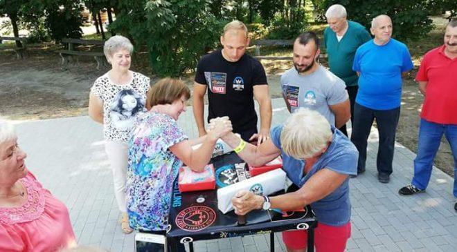 Piknik na sportowo dla emerytów i rencistów w Czempiniu
