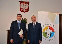 Wręczenie zaświadczenia o wyborze Burmistrzowi Elektowi Piotrowi Ruszkiewiczowi
